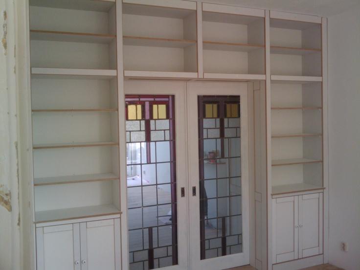 Klassieke inbouwkast op maat, met deuren 'en-suite'