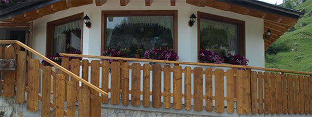 Oltre 25 fantastiche idee su case in legno su pinterest case di montagna interni di case in - Costruire una casa di legno ...