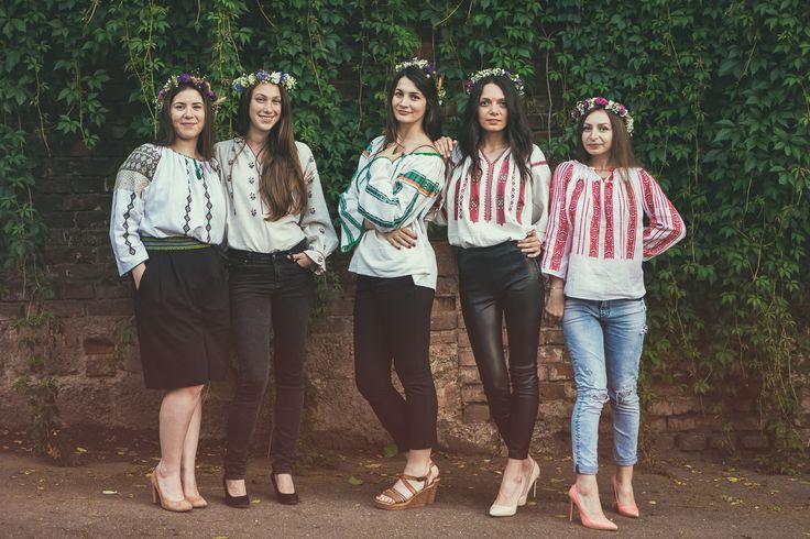 The fairies from the Șezătoarea Urbană team wearing the romanian blouse for the International Romanian Blouse Day 2016.  www.facebook.com/sezatoareaurbana