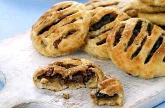 Eccles cakes These delicious Eccles cakes are made with shop-bought puff pastry meaning they're quick and easy to rustle up. Just prepare the filling - and pop them in the oven for a tasty and sweet afternoon treat