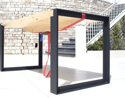 ISACCO gravityless desk