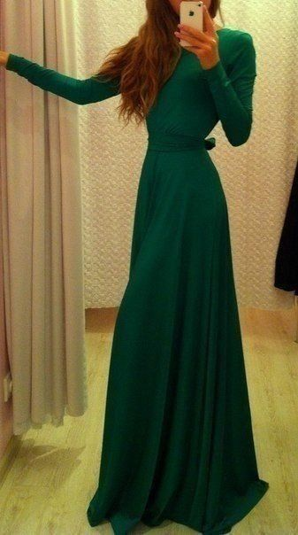 Deep green long winter dress.  I love the elegant simplicity of this exaggerated shirt-waist style.
