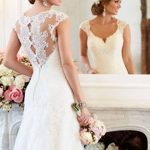 [210.99€] Robe de mariée fluide en ligne A avec dentelle de col V