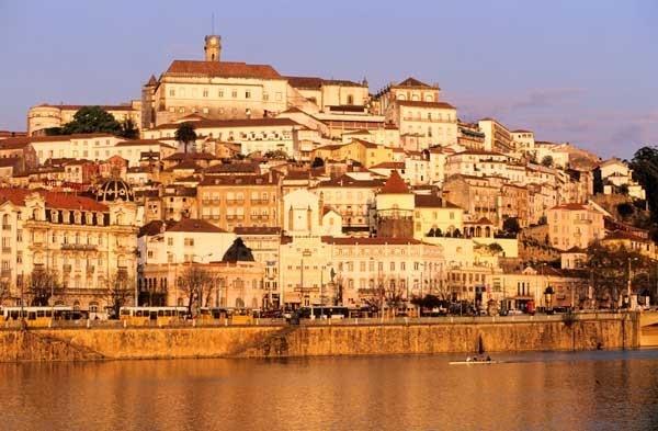 Foto: Vista panorámica de Coimbra, Philippe Renault/Hemis/Corbis - via Revista Viajar #Portugal
