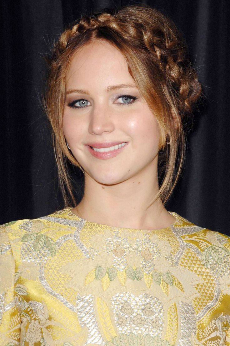 Jennifer Lawrence Goes Ethereal With A Halo Braid - Jennifer Lawrence's Hair History
