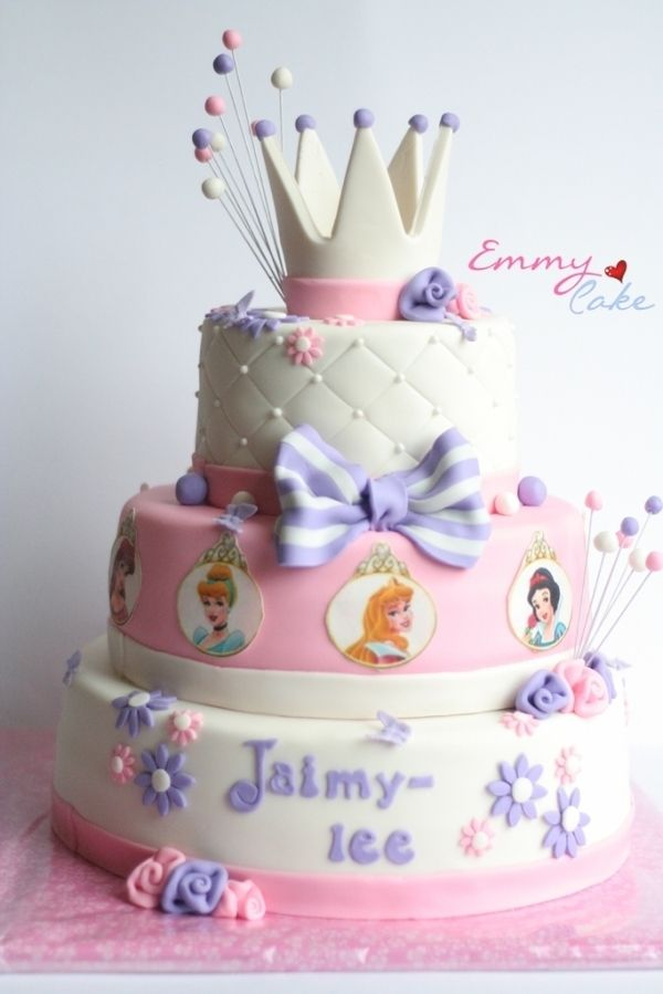 princess cakeCrowns Cake, Bday Ideas, Birthday Parties, Cake Cupcakes Ideas, Disney Princesses Cake Sofia, Parties Ideas, Birthday Cake, Bday Cake, Princess Cakes