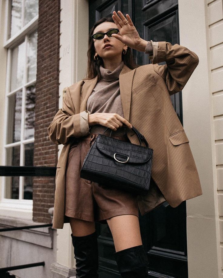 Want to make 2018 your most stylish year yet? We've listed the AMAZING WINTER OUTFITS IDEAS. #winter #outfits #look #Styletips #womensfashion #fashionbloggers #streetstyle TAP THE PIN FOR MORE.