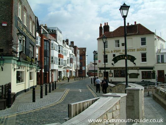 Old Portsmouth was where Portsmouth started and it now houses many historic buildings. The above picture shows a view from the point looking down one of the narrow streets.