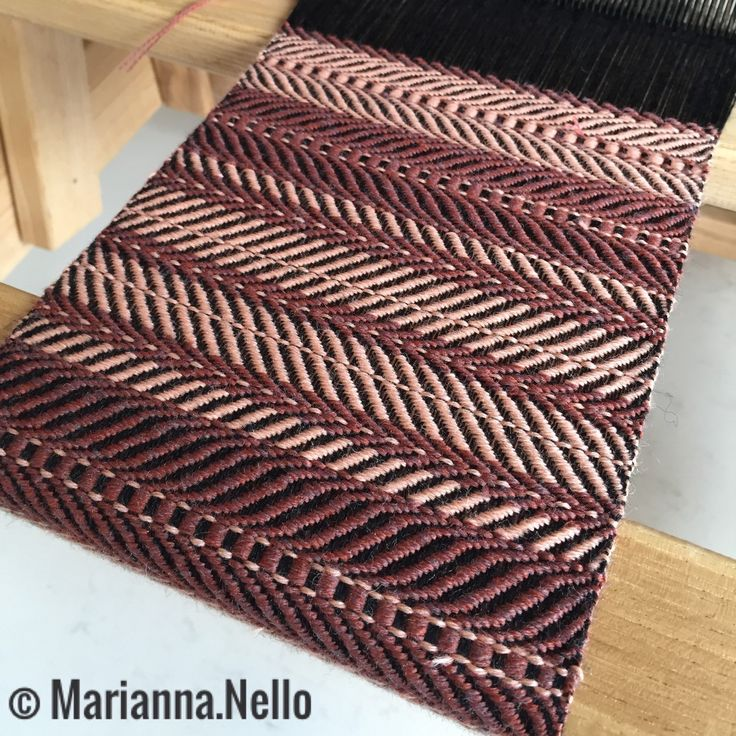 Working on a new project! Narrow scarf, only 15 cm but still super soft and warm. Use it as an obi-style belt, a tie or ahead scarf! You will love this fashionable strip of fabric. Soon in my shop