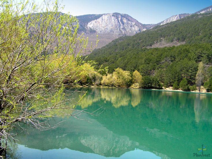 Бирюзовое озеро. Крым.