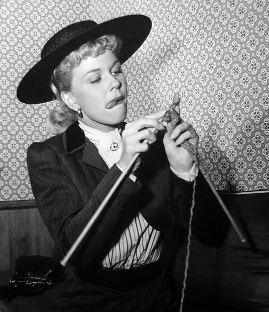Doris Day knits between filming scenes of By The Light of the Silvery Moon, 1953 (via A Certain Cinema) *looks like me trying to knit*