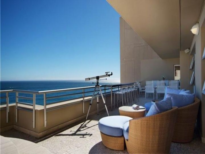 CLIFTON PENTHOUSE. Holiday Rental  in CLIFTON for 6 People at R3,990 / Night