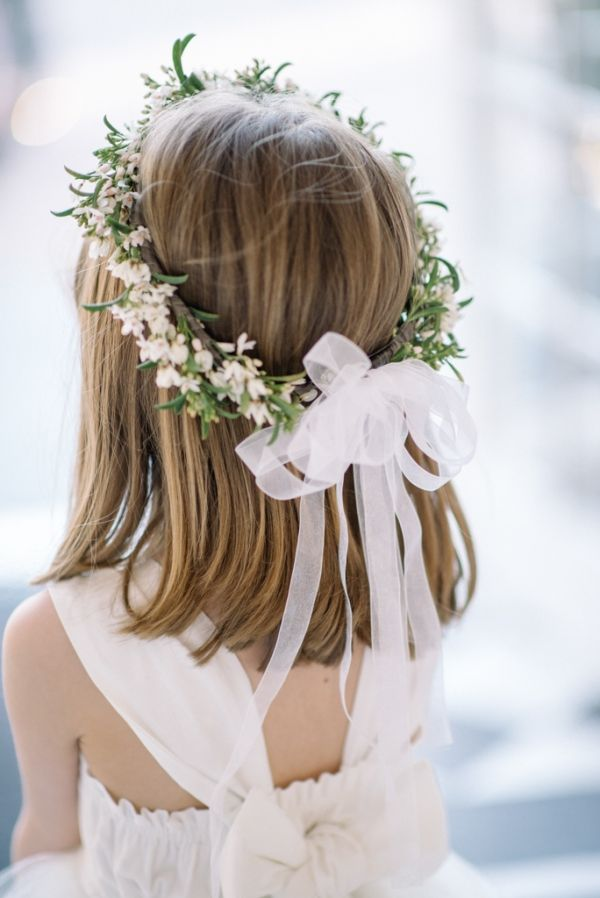 Crown sort of like this but with Queen Anne's Lace for the little girls. I love the bow in the back.