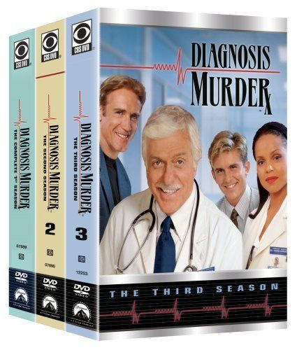 Diagnosis Murder (1993–2001) Dr. Mark Sloan is a doctor at Community General Hospital, and he is a consultant for the police department. His son Steve Sloan is a detective for the department. He and his father, along with emergency room resident Dr. Jesse Travis and Dr. Amanda Bentley, who is the pathologist at the hospital help to solve some very strange murder cases in Diagnosis Murder.