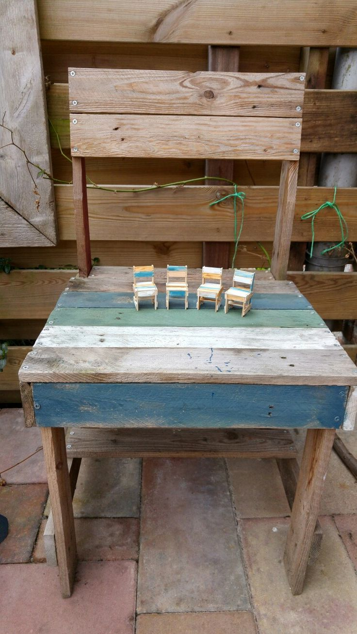 Inspired by Piet Hein Eek. First there was the 1:1, then I made the 1:12 from popsicle sticks.