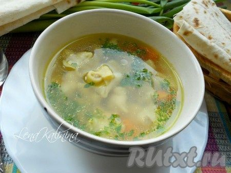 Дюшбара - это суп с пельменями из азербайджанской кухни. Пельмешки лепятся определенным способом и должны быть очень миниатюрными. Но пельмени в этом супе не главное, главное - бульон. А он получается просто сказочным! Попробуйте, очень вкусно!