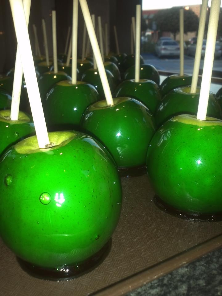 Green Candy Apples for St. Patrick's Day at the Rocky Mountain Chocolate Factory