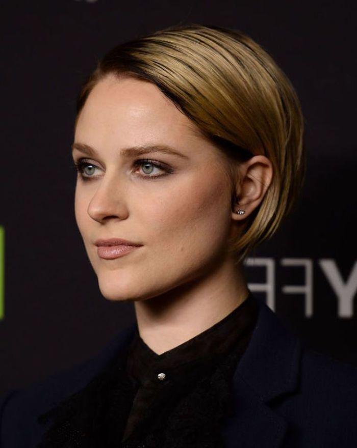 Slicked Blonde Bob With Dark Roots Tucked Behind The Ear Worn By Evan Rachel Wood Hairstyles For Women Wit Thin Hair Haircuts Short Hair Styles Hair Styles