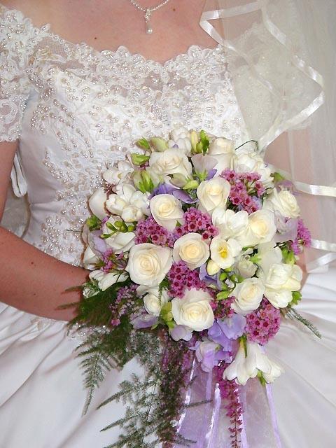 Love the Dress, too! - Flowers Elite | Wedding Flowers