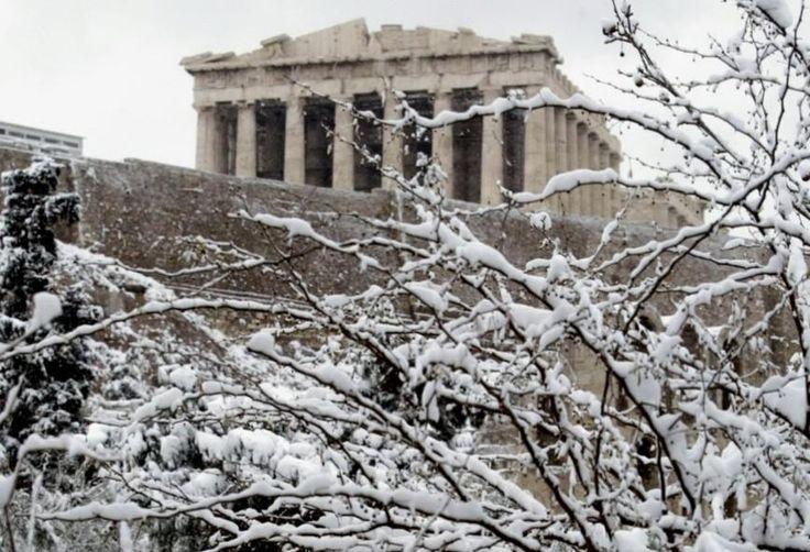 Δείτε τα 5 πιο αστεία βίντεο από τη χιονισμένη Ελλάδα | Sigmalive Magazine