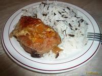 Курица запеченная с мандаринами и медом Ингредиенты для курицы запеченной с мандаринами и медом на 4 порции :    Куриные бедра (4 шт.)   Мандарины (1 шт.)   Мед натуральный (1 ст.ложк)   Поваренная соль  (0.5 ч.ложк)   Перец черный молотый (0.25 ч.ложк)   Перец красный молотый (0.05 ч.ложк)   Паприка сушеная (0.5 ч.ложк