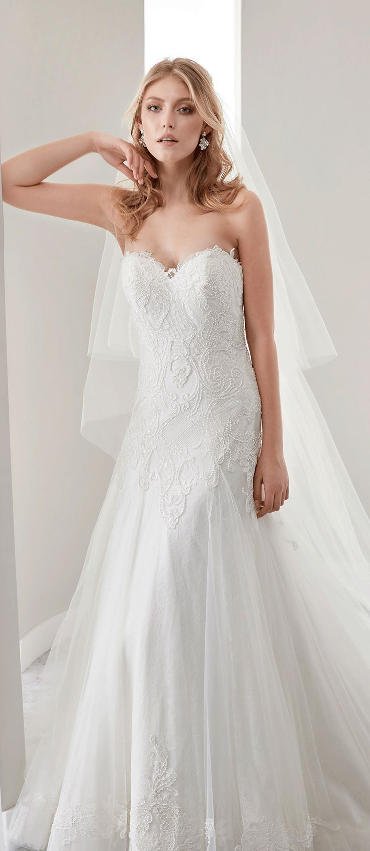 Sweetheart Sheath Lace Gown With Mermaid Style And Appliques