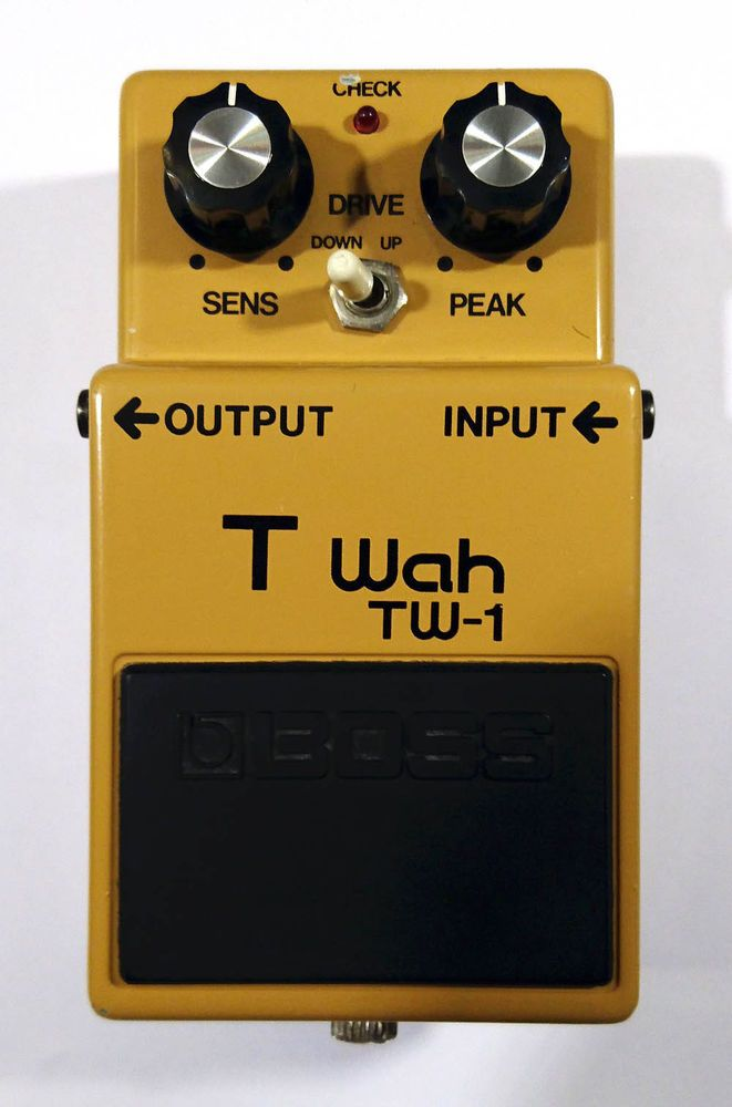 boss tw 1 t wah effects pedal vintage made in japan silver screw fret board pinterest. Black Bedroom Furniture Sets. Home Design Ideas