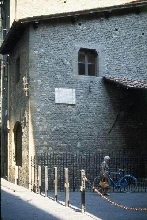 Dante Alighieri's childhood home. Luogo dove sorgeva la casa di dante