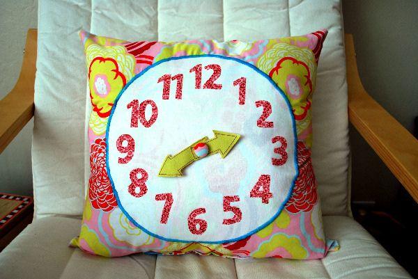 Tutorial: Clock Pillow: Clock Pillow, Idea, Craft Tutorials, Clockpillow, Clocks, Pillows, Kid