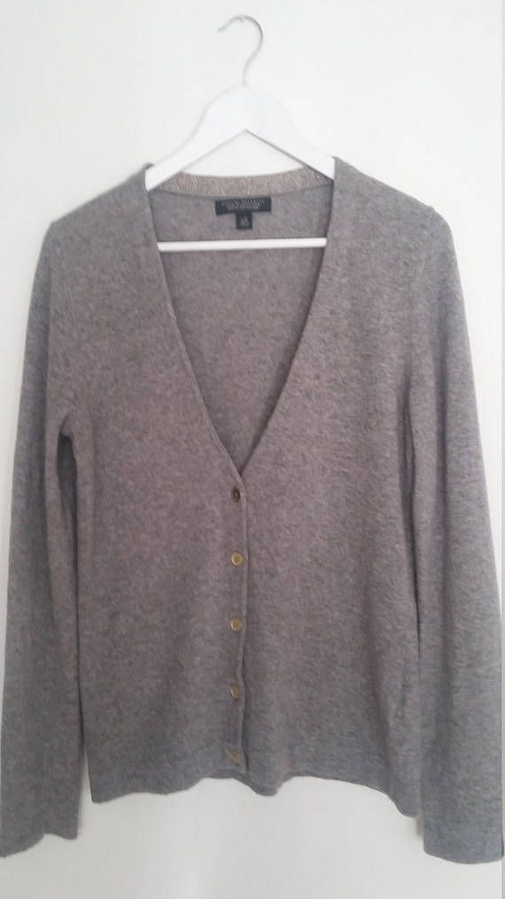 f073351c9fc62f This versitile vintage cardigan would make a great addition to your fall/winter  wardrobe♡