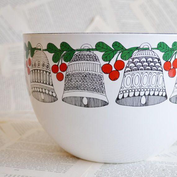 Vintage Finel Enamel Bowl.