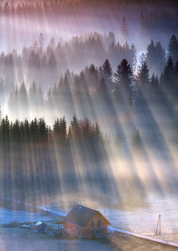 Mountain house in sunray - Beskidy, Poland  (by Marcin Sobas on 500px)