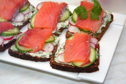 Датские рыбные бутерброды