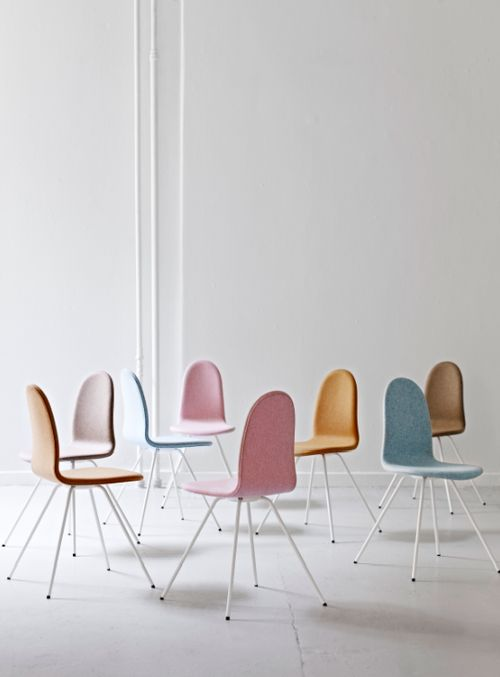 The Tongue Chair designed by Arne Jacobsen was his 2nd chair design after the Ant Chair. Originally designed for a school in Denmark. Now relaunched by HOWE with a helping hand from Arne's grandson, Tobias Jacobsen. Full story on the blog. #allgoodthings #danish spotted by @missdesignsays