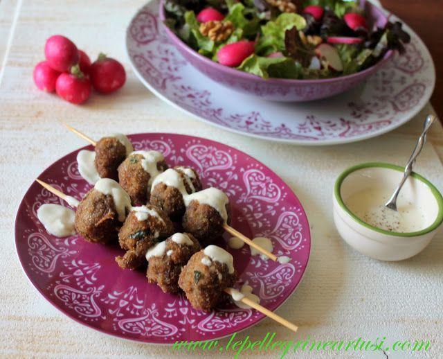 Le pellegrine Artusi: Polpettine di carne con crema allo yogurt, senape ...
