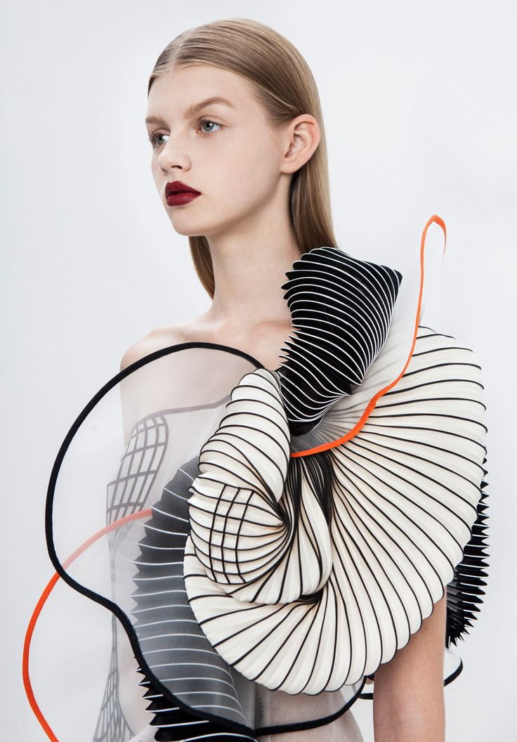 Hard Copy Collection by Noa Raviv | http://www.yellowtrace.com.au/noa-raviv-3d-printed-couture-creations/