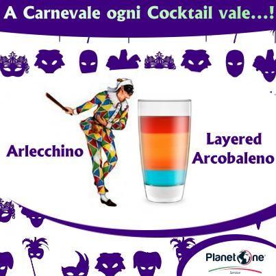"""Arlecchino, così stravagante e scapestrato, col suo vestito di """"cento"""" colori perché essendo povero è realizzato con toppe e ritagli avanzati da altri costumi non potrebbe che gustarsi un #drink Layered Arcobaleno."""