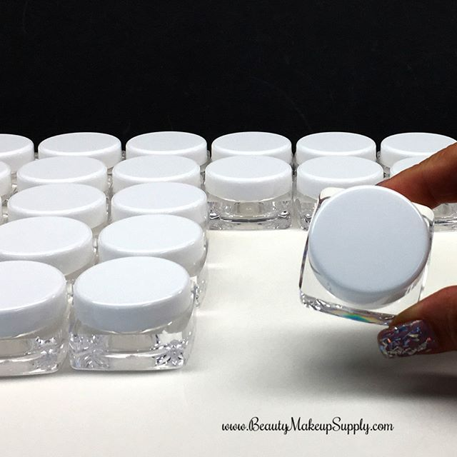 Beautiful Cosmetic Packaging 10 Gram Square Cosmetic Jars With White Lids The Perfect Luxury B Luxury Beauty Packaging Lip Balm Packaging Lip Balm Containers