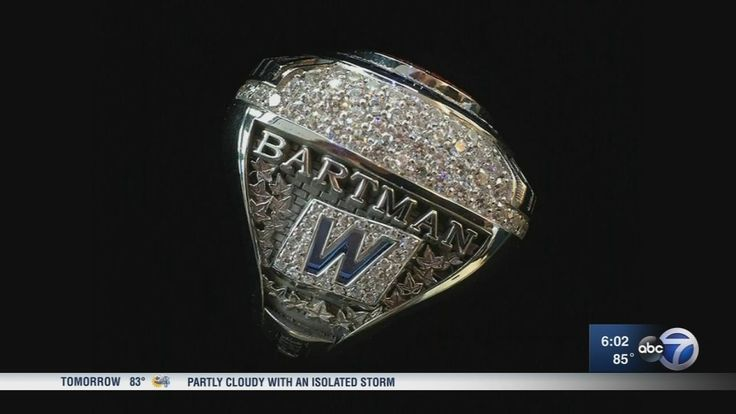 Steve Bartman receives World Series ring from Chicago Cubs | abc7chicago.com