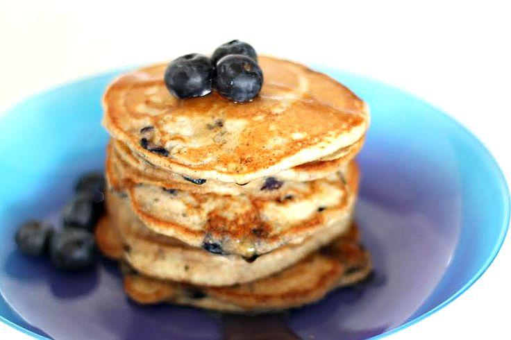 Pancakes integrali ai mirtilli e semi di chia