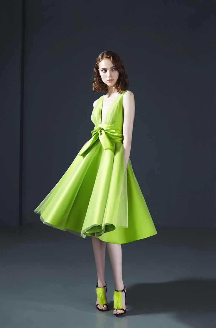 16006: Short fitted dress in mikado with deep V neckline