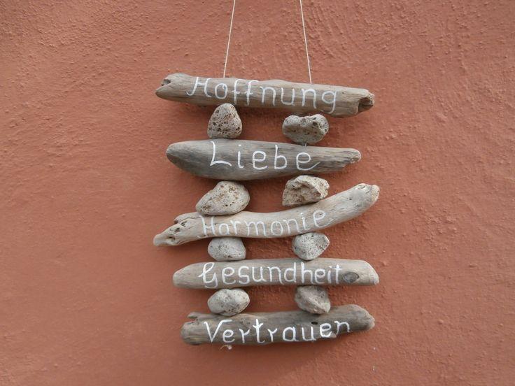 http://www.ebay.de/itm/Windspiel-Gluecksbringer-Wuensche-Treibholz-Holz-natur-Shabby-Dekoration-Spruch-/171656672566?pt=Dekorationsmasken