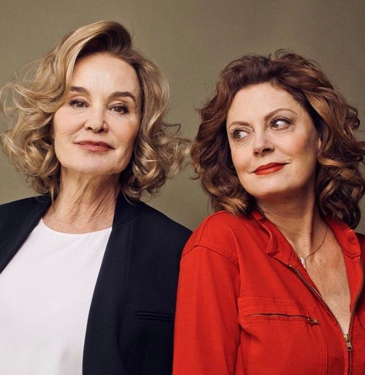 "167 synes godt om, 2 kommentarer – @jessicalangenews på Instagram: ""Jessica Lange and Susan Sarandon photographed by Ryan Pfluger, at the 'Feud: Bette and Joan'…"""