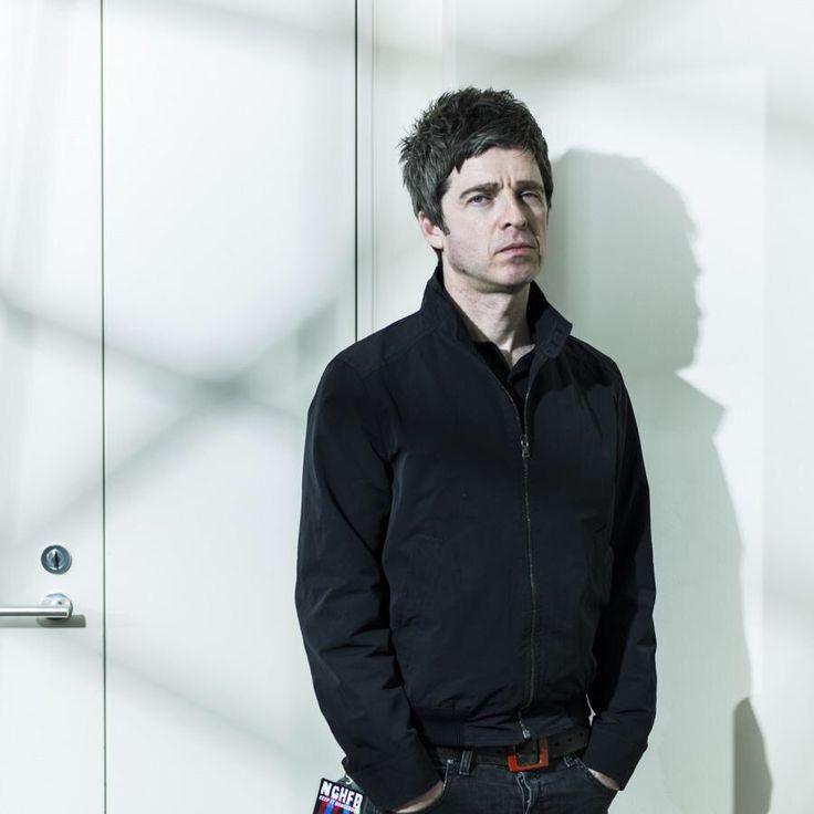 Noel Gallagher. He's wearing that belt again!!