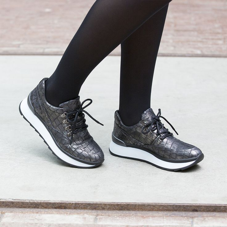 These Roberto d'Angelo sneakers are just perfect for the new season --> http://omoda.nu/Roberto-dAngelo-sneakers