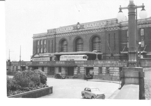 Auckland Central Railway Station with Auckland Transport Board tram & bus ready to transfer passengers to the city or suburbs. Image via google