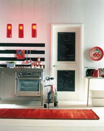Arredo cucina fai da te: porta con lavagna