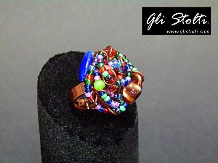 """Anello artigianale regolabile in pietre dure e vetro soffiato """"Intreccio Arcobaleno"""". Vai al link per tutte le info: http://glistolti.shopmania.biz/compra/anello-in-pietre-dure-e-vetro-soffiato-intreccio-arcobaleno-337 Gli Stolti Original Design. Handmade in Italy. #glistolti #moda #artigianato #madeinitaly #design #stile #roma #rome #shopping #fashion #handmade #style #bijoux"""