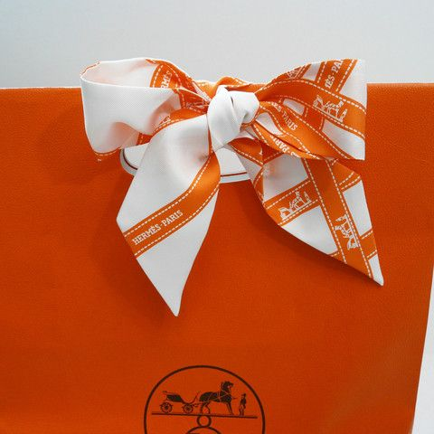 347 best hermes images on pinterest chairs for the home for Paris orange card