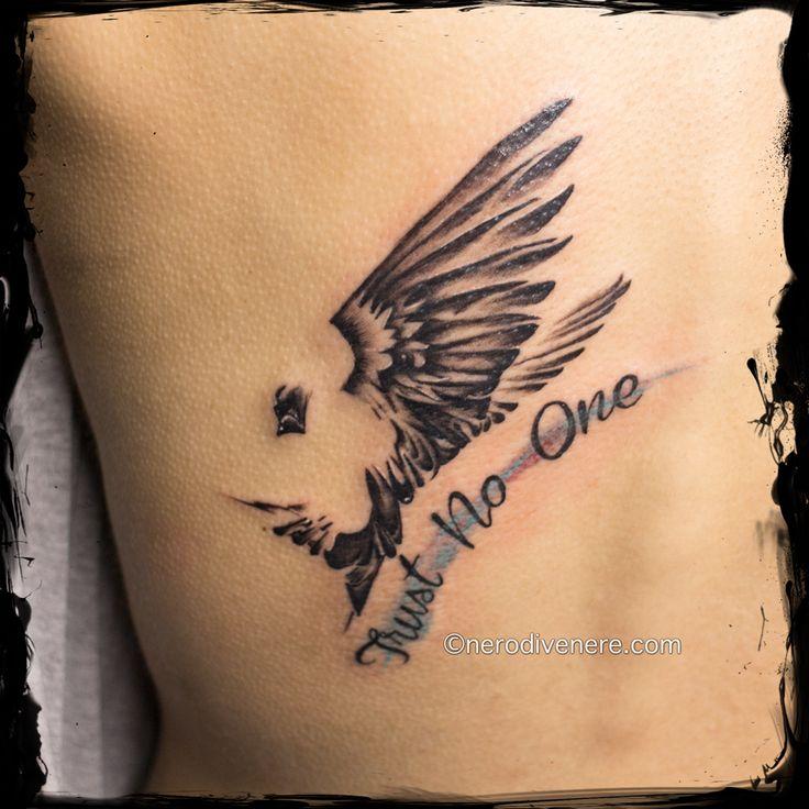 #tattoo #tatuaggio #cheyennehawk #cheyenne #thunder #spirit #cheyennepen  #tattooartist #tattoogirl  #suicide #girl #inkedgirl #tattooing #watercolor #watercolorpaint #bird #colibri #rondine #swallow